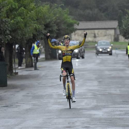 Gijs Leemreize remporte la 5ème étape à Saint-Girons